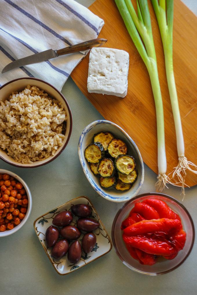 סלט אנטיפסטי ואורז מלא