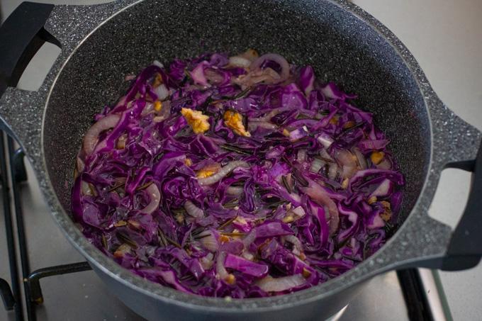 תבשיל אורז בר וכרוב אדום